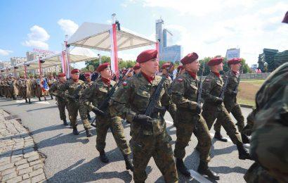 【新聞】815波蘭軍人節 真是每個都帥到掉渣啊!